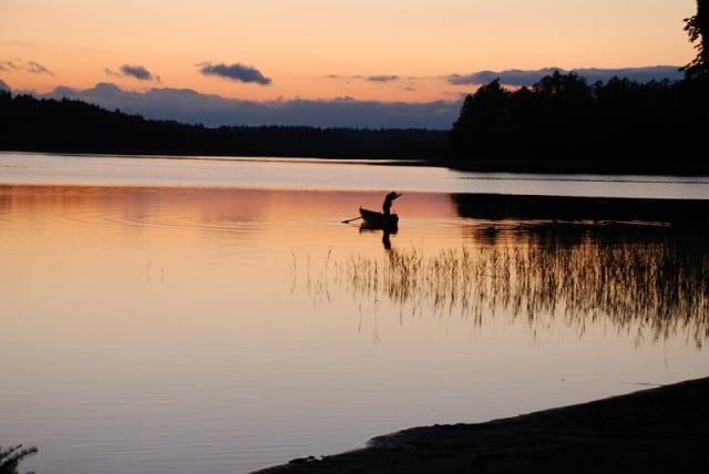 poilsis prie ežero, kaimo turizmas, valtis